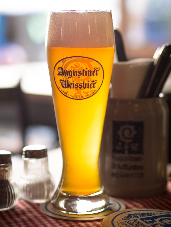 2013_Augustiner_Weissbier_Munich_pub.jpg